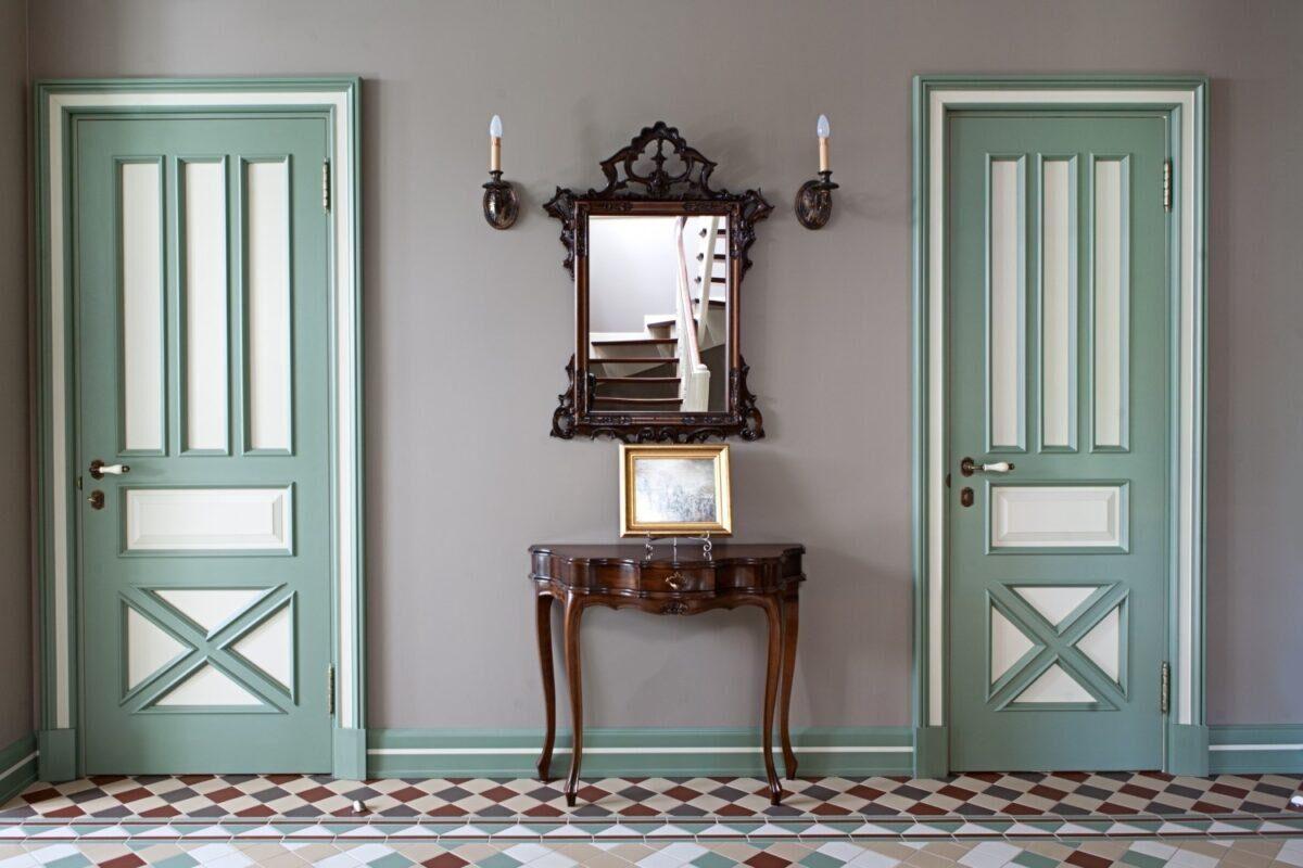 Кольорові двері